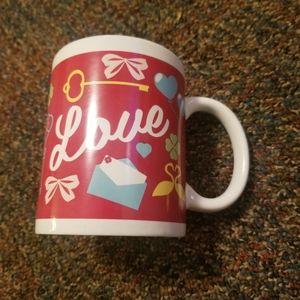 """""""Love"""" Lettering Beverage Drink Coffee Tea Cup Mug"""